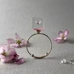 キュービックジルコニア 桜色に浮かぶリング ゴールドカラー(ギフト, 誕生日プレゼント, ギフトラッピング, 結婚式, お呼ばれ, フリーサイズ)