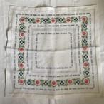 カラフルな花の刺繍の布