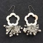 SHELL FLOWER Beads Tassel ピアス-silver-【イヤリング変更可】