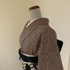 正絹綸子 グレーに秋草の総絞り 袷の着物