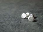 望 earrings