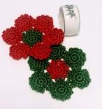 手作りの楽しいクリスマスを演出「小さなお花のモチーフ編みコースターかぎ針編みキット」(毛糸:赤&グリーン)