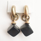 black cube earring[e-923]