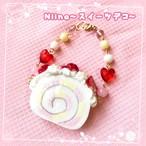 【Niina〜スイーツデコ〜】いちごロールケーキのバッグチャーム  i0502003-2