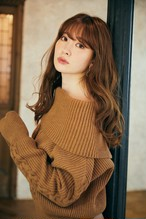 Off-the-shoulder Cable Wool Sweater