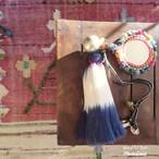 チェンマイ ミラーワーク刺繍がついた大きなタッセル