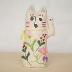 和紙と刺繍花のまねきねこ 人を呼び込む左手招き