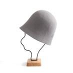 mature ha./free hat back stitch grey