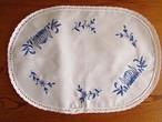 【玉ねぎちゃん】ブルーオニオンのような青糸手刺繍 テーブルマット /未使用品 ヴィンテージ・ドイツ
