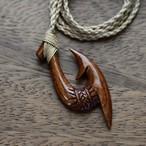 コアウッド フィッシュフックネックレス  片面彫りあり