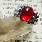 チェコスロバキア ヴィンテージガラスのオーバルリング レッド