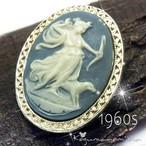 月の女神 ディアナ★ブルー  ルーサイト カメオ  ヴィンテージ オーバル ブローチ 1960s アルテミス ギリシャ神話