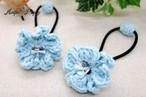 手編み 小さめお花のヘアゴム(水色)
