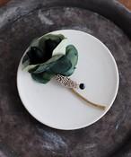 グリーンのバラとつぶつぶパールのブローチ(HOR011)