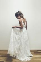 Leafy リーフモチーフのスレンダーAラインドレス