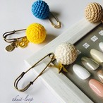 KNIT cotton  ball brooch set