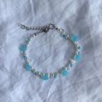 Blue glass flower bracelet