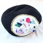 ベレー帽ブラック「ウサギになったアリス」