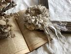 裂き編みフリルシュシュ antique lace