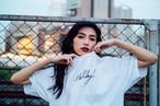筆記体 ロゴ Tシャツ