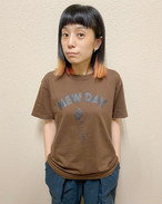 【NEW DAY】T-Shirt 〈BROWN〉