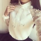 【tops】リボンカラービーズ飾りエレガント透け感シフォンシャツ 22489145