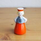 【ラトビア】 小さな陶器のお人形(女の子)  旧ソ連 USSR