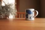 砥部焼/マグカップ/ブルー木の葉/森陶房