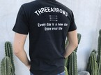 THREEARROWS メッセージ Tシャツ(black)