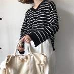 Vネック黒ボーダーTシャツ トップス【0034】