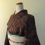 正絹紬 小豆色に幾何学模様 袷の着物