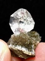6) ニューヨーク・ハーキマー・ダイヤモンド母岩付き