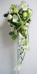 花いずものウェディング キャスケードタイプ(カラーリリー:ホワイト)