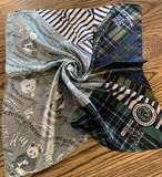 ◆即納◆小判シルクスカーフ「レタリングシャンシャン」柄 50cm角