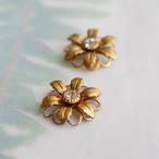 ヴィンテージ スワロフスキーと真鍮の花のセッティングチャーム(クリア・2コ)