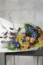 渋いトーンの花束