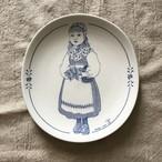女の子柄の壁掛け皿