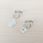 アイスブルーマーブルミニミニにゃんこ 月のイヤリング&ピアス、シルバー系金具