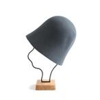 mature ha./free hat back stitch blue grey