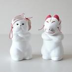 張子「猫にお面」立 白猫