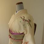 正絹綸子 アイボリーに松竹梅の付け下げ 袷の着物