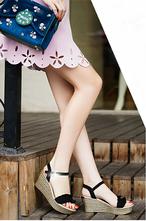 ウェッジソールサンダル 2色 22.0~25.0cm 靴 シューズ サンダル レディースサンダル ウェッジソール アンクルストラップ スエード調 フリル フェミニン おしゃれ 厚底 脚長効果 スタイルアップ 歩きやすい デイリー 春夏 HI-1906-0001651