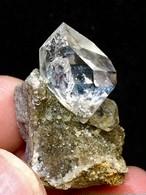 5) ニューヨーク・ハーキマー・ダイヤモンド母岩付き