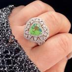 D091 送料無料☆即納 人気デザイン レディース リング 指輪 ペリドット キュービック ビックハート ゴージャスリング