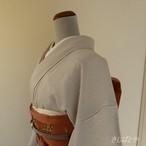 正絹綸子 白銀に秋草の刺繍の付け下げ 袷の着物