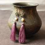 ピアス -mother of pearl × purple tassel-
