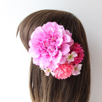 ピンクのダリア、マム、小花の髪飾り