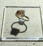 オレゴンサンストーンの真鍮槌目リング(11号)