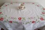 【フォークロアなお花たち】赤と薄紫のお花の手刺繍と手編みレース 大判 テーブルクロス /ヴィンテージ・ドイツ
