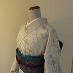 正絹紬 白地に茶屋辻柄の小紋 袷の着物